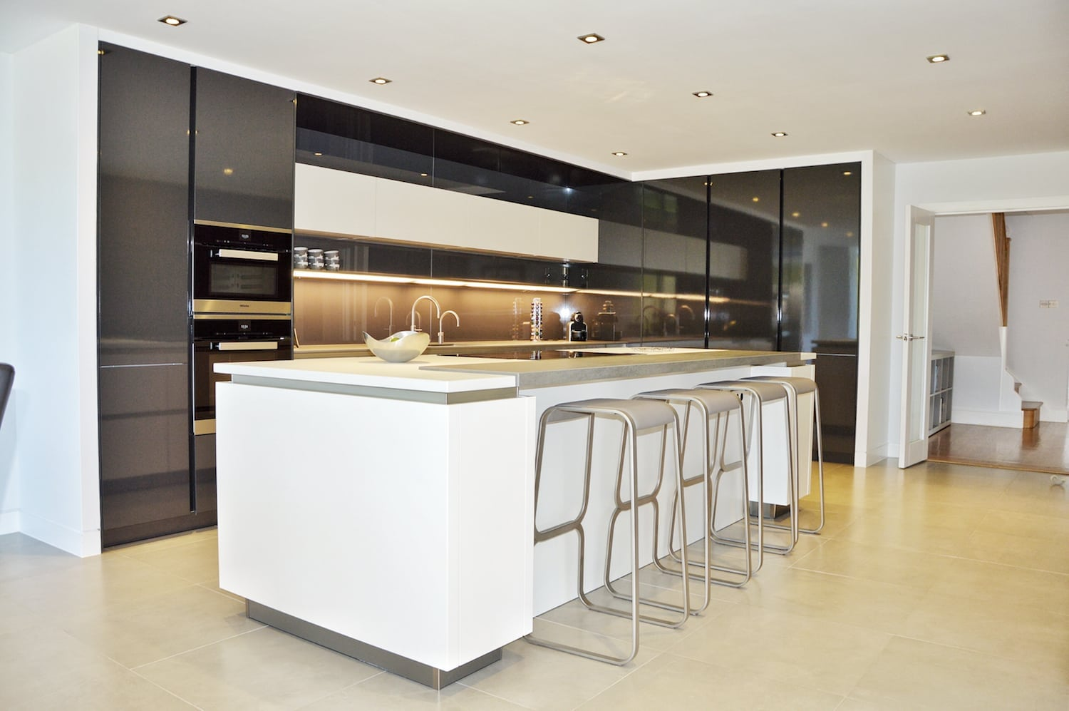 Handleless SieMatic kitchen